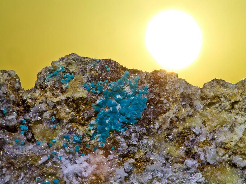 Rosasite-Kristalle aus dem Hafen Athinios auf Santorin