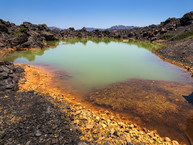 Der grüne Kratersee auf Palia Kameni (c) Tobias Schorr