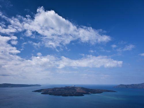 Die Insel Nea Kameni im Santorin-Archipel (c) Tobias Schorr