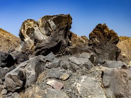 Lava mit einem dichteren Kern und einem gasreichen Rand. (c) Tobias Schorr