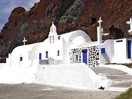 Die Kapelle Agios Nikolaos am roten Strand in Akrotiri