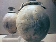 Vasen aus Strausseneiern